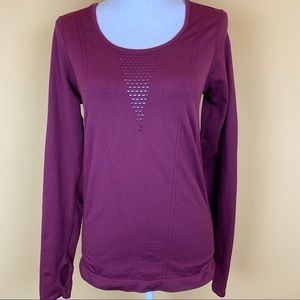 Fabletics perforated thumbhole long sleeve top